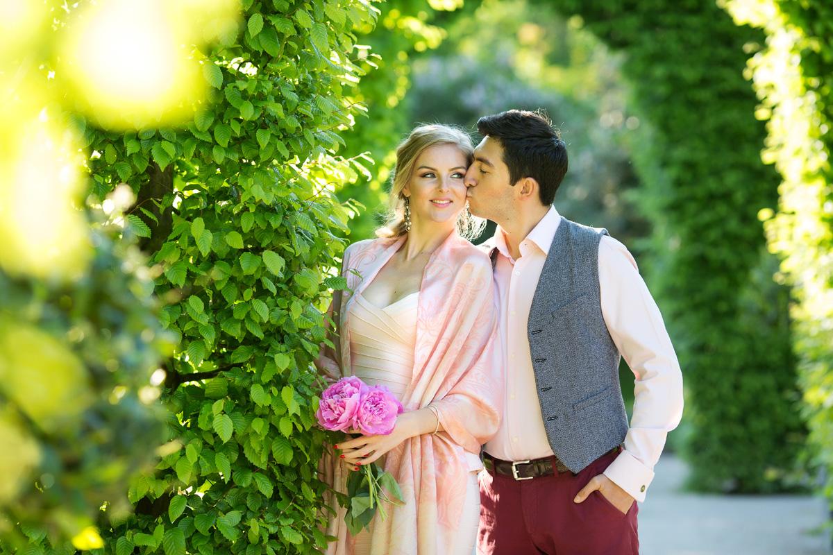 Paarfotoshooting im Rosengarten