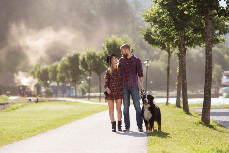 Paarfotoshooting mit dem Hund